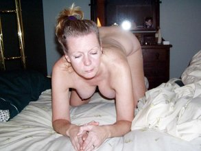 Mature woman with a hairy cunt is ready to fuck