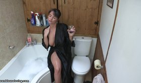 Bathrobe-wearing boozed-up amateur looks hot as fuck